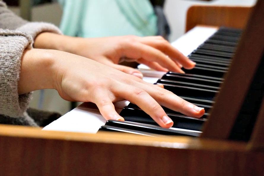 J'ai testé : les cours de piano à domicile pour les petits