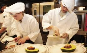 Comment choisir la veste de cuisinier parfaite ?